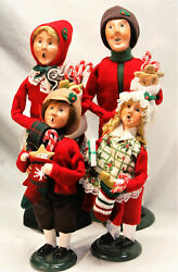 Byers Choice Family With Stockings Carolers - New 2021 - Free Priority Shipping
