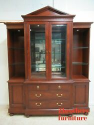 Lineage By Drexel Heritage Neo Classical Breakfront Hutch China Cabinet Display