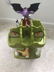 Vintage Fortress Of Fangs Dungeons And Dragons Playset 1983