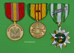Vietnam Campaign, National Defense And Service Medal Set With 2 Battle Stars