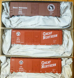 Accurail Ho 8084 Great Northern 3 Pack 40' Steel Boxcar Kits
