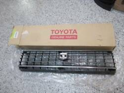 Toyota Markii Mark2 Nos Grille New Old Stock Toyota 53100-22110 120517-1