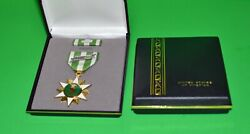 Vietnam Campaign Medal Gift Display Set Army, Navy, Air Force, Marines