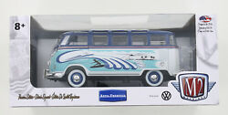New M2 Machines 1960 Vw Microbus Deluxe Usa Model - Surfer Waves
