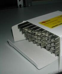 80 Series 1/2 Inch Length Stainless Steel Staples 1/2 Crown 180,000