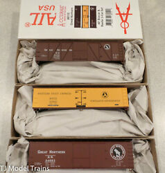 Accurail Ho 8110 Great Northern 40' Boxcar And Reefer 3 Car Set