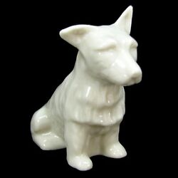 VTG IRISH BELLEEK SCOTTISH WEST HIGHLANDS TERRIER FIGURINE PORCELAIN DOG FIGURE