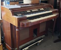 Motown Founder Berry Gordy Jr.and039s Baldwin Organ From His Detroit Pool House
