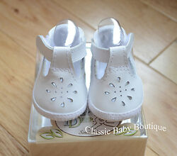 NWT Baby Deer White Leather T-Strap Booties Crib Shoes Girls Preemie Sz 00
