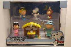 Peanuts Nativity Deluxe Set Collectible