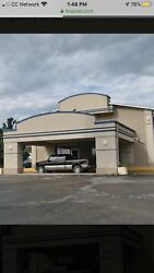 108-room hotel in Junction City Kansas with barrestaurant