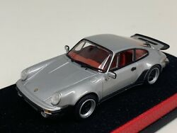 1/43 Minichamps Porsche 911 964 Turbo In Silver On Leather Base A1036