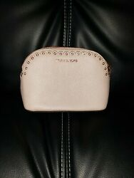MICHAEL KORS SOFT PINK SCALLOP EDGE TRAVEL POUCH STYLE #32T8TF9T6I  $15.00