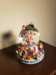 Disney Mickey Mouse And Friends Musical Elaborate Christmas Snow Globes Display