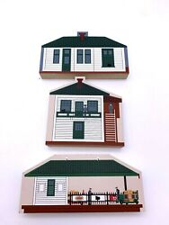 Cats Meow Village Lot Of 3 Lionel Passenger Station Freight Station Tower