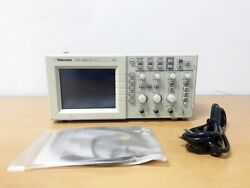 Tektronix Tds1002 60mhz 2ch Oscilloscope With P6100 Probes