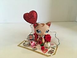 Littlest Pet Shop LPS Custom Yellow Cat Blue Eyes With Red Skirt amp; Accessories