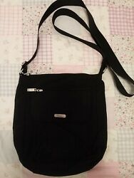 Baggallini Black Crossbody 10quot; high X 8.25quot; wide X 2.5 deep in excellent cond. $5.99
