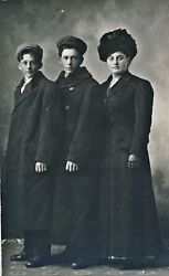 C1910 Rppc Mother And 2 Sons In Winter Coats And Hats Real Photo Postcard