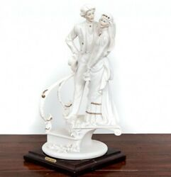 1988 Capodimonte Porcelain Figurine Wedding Of The Bride And Groom On The Stair