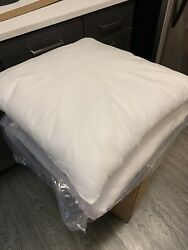 2 24 x 24 Square Polyester Pillow Insert Brand New In Packaging