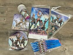 Fortnite Party Supplies And Birthday Set For 10 People