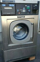 Continental Girbau Front Load Washer 20lb Coin Op, 120v 60hz 1ph, S/n1432490a08