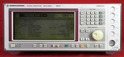 Rohde And Schwarz Sme03-b19 5khz To 3ghz Synthesized Signal Generator 825010/028