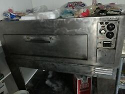 Hobart Pizza Oven Electric And 30 Quart Mixer Two Bowls Four Different Paddles