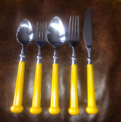 Vintage Nm Oxford Hall Yellow Stainless Plastic Flatware Set 30 Pieces Gt7