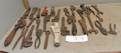 25 Vintage Farm Implement Mechanic Collectible Wrench Garage Tractor Tool Lot I4