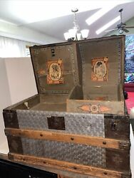 Antique Vtg Dome Trunk Chest Steamer Classic Victorian With Tray