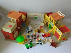 Vintage 1973 Toy Fisher Price Little People Play Family Village With Box