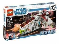 Lego 7676 Star Wars The Clone Wars Republic Attack Gunship 1034 Pieces Ages 9-14