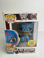 Funko Pop Wwe 06 Rey Mysterio Blue 7 Eleven Exclusive Vaulted W/ Hard Stack