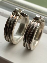 Stunning Sterling Silver 925 Ale Round Pierced Good Quality Earrings