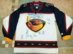 2000 2001 Atlanta Thrashers 2nd Year Nhl Team Autographed Jersey - 19 Signatures