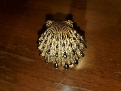 14k Designer Heavy Textured Scallop Shell Pendant. Wide Double Bale. 11g.