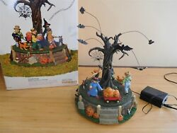 Dept 56 Sv Halloween - Animated, Musical, Lighted, Costume Parade - Working