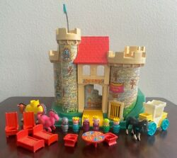 Vintage Fisher Price Little People Play Family Castle 1974 Dragon Knight Set 993