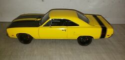 Gmp 118 1970 Plymouth Road Runner 440 Six Pack Street - Case New