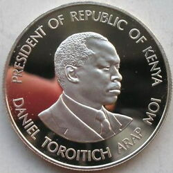 Kenya 1988 25th Anniversery Independence 500 Shillings Silver Coinproof