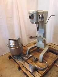 Hobart D-300 30 Quart Mixer With Paddle, Whip And Hook. Works Good S5965