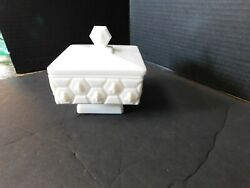 Fenton White Milk Glass Honeycomb And Honey Bee Candy Dish W/ Lid