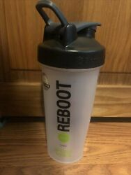 Euc Blender Bottle Classic 28 Oz. Shaker Mixer Cup With Loop Top Clear No Ball