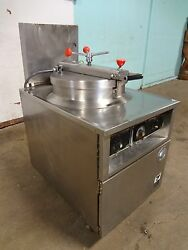 B K I Commercial H.d. Extra Large Capacity 75lbs. Electric Pressure Fryer