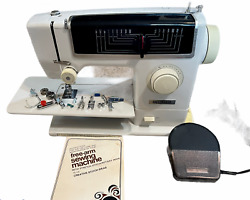 Vintage Dressmaker Model 6905 Sewing Machine Free-arm W/foot Pedal And Case