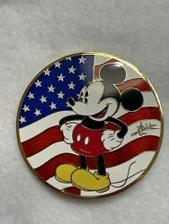 Disney Auction Pin Le 100 Elizabeth Gomes Patriotic Mickey Mouse Usa Flag Signed