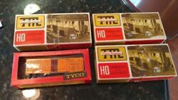 Ho Scale Train Miniature 2402 And 5533 Train Master 2102 And Tyco General 1860