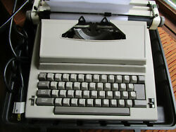 Vtg Sears Portable Electric Typewriter Sr1000 C Series Tested Works Case Clean